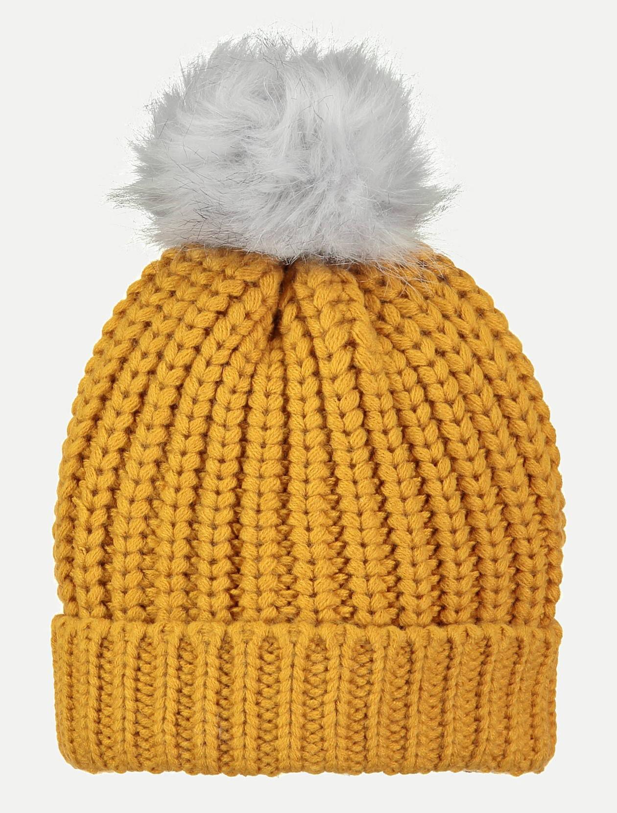 Bonnet tricot et pompon