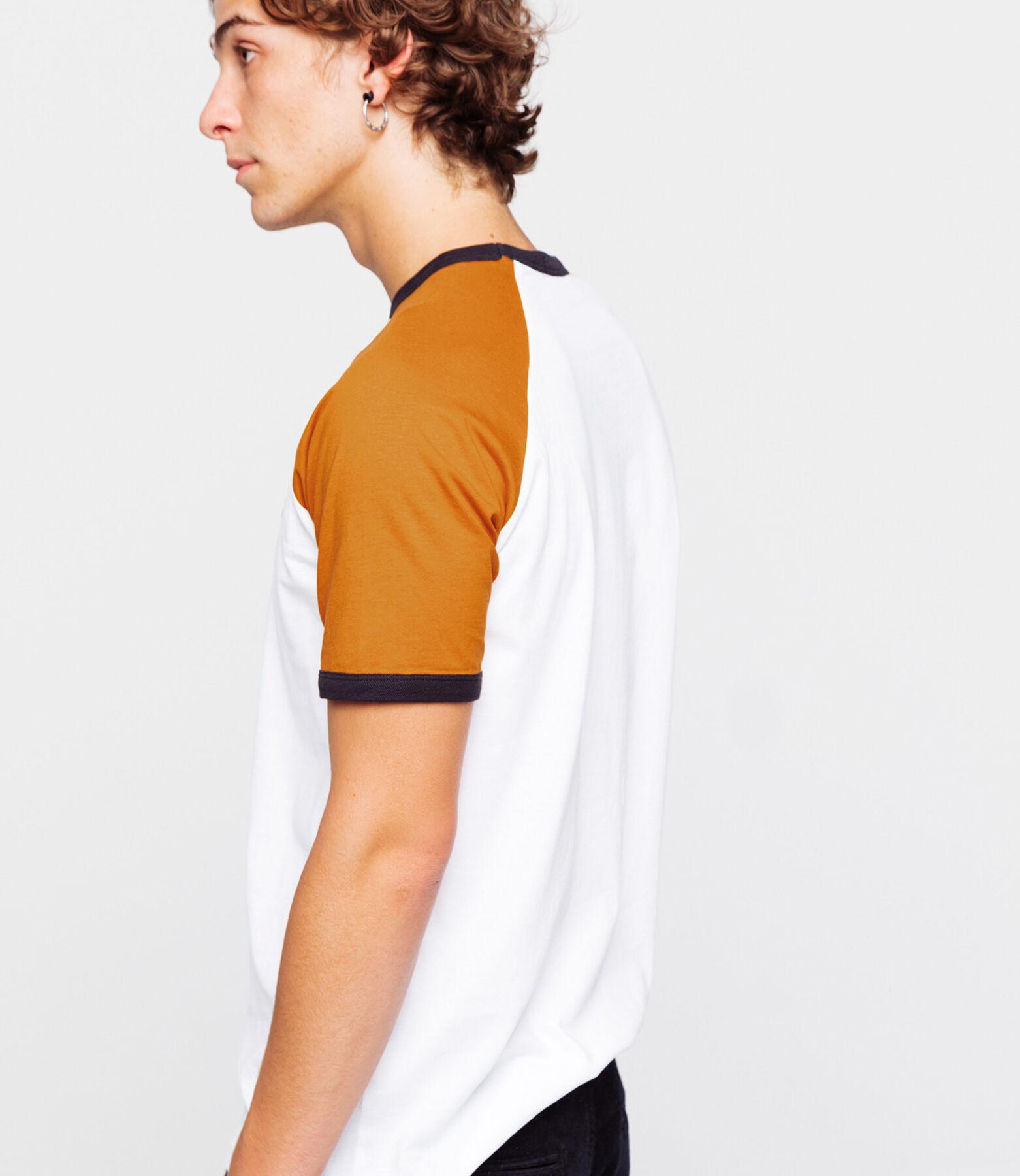 T-shirt raglan avec manches contrastées