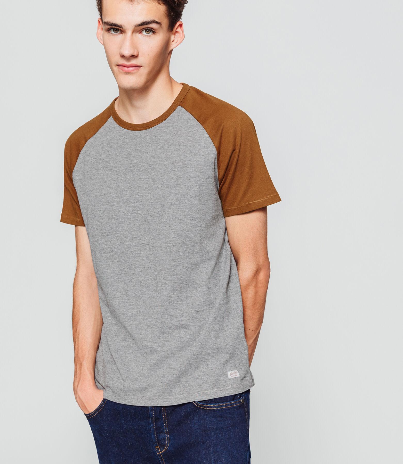 T-shirt manches courtes, raglan.