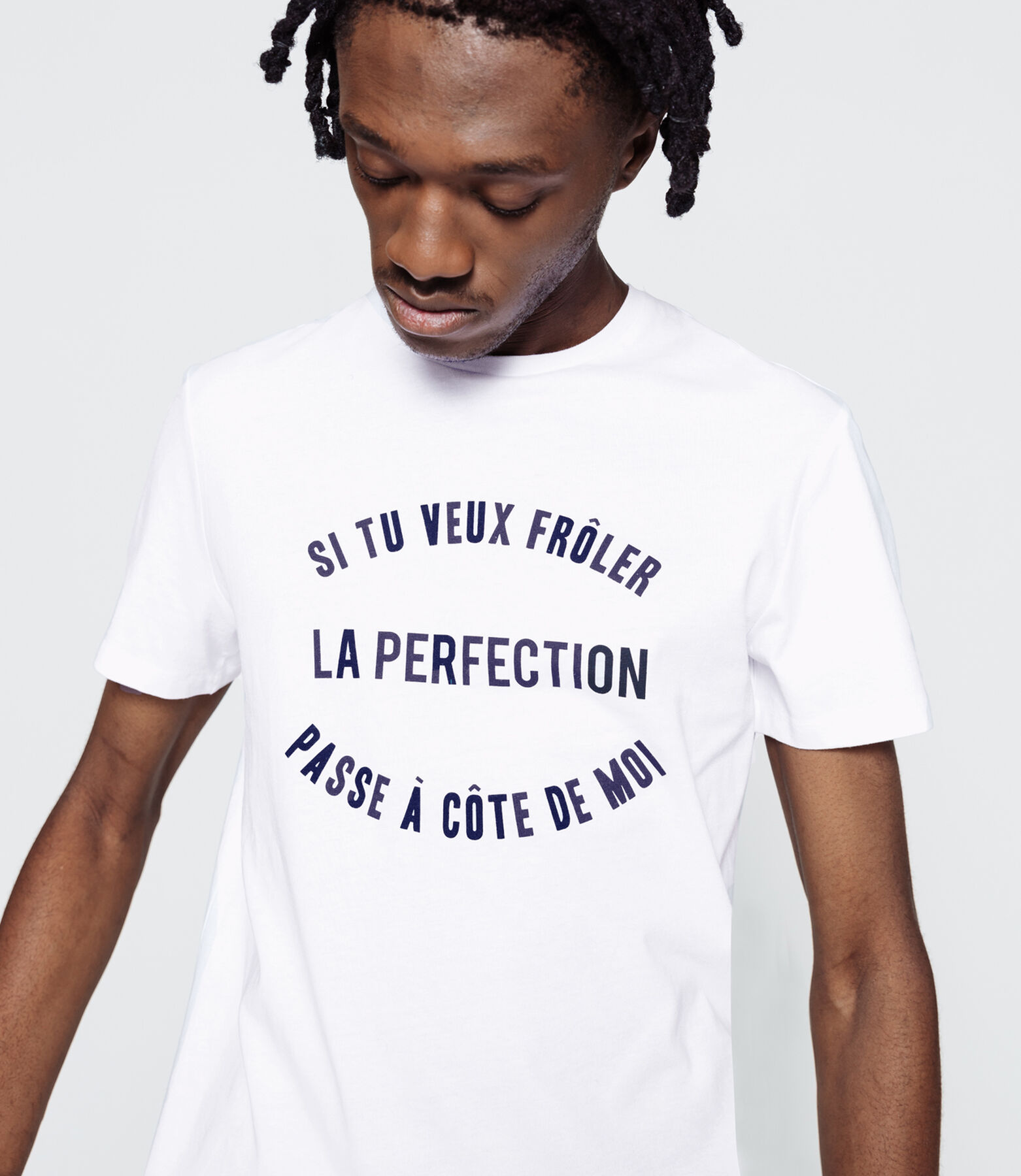 "T-shirt humour ""Frôler la perfection"""