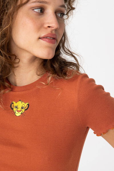 """T-shirt licence """"ROI LION"""" à côtes en coton bio"""