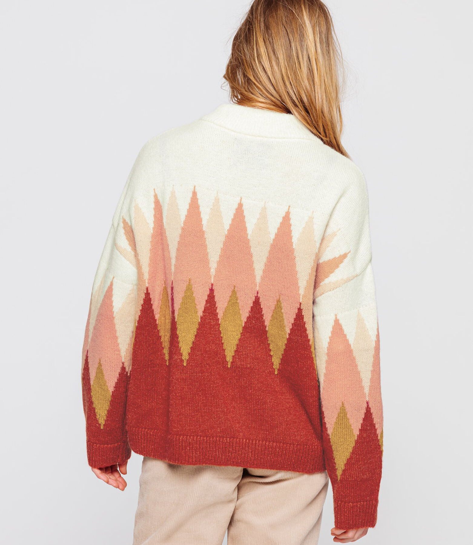 Pull col montant fantaisie