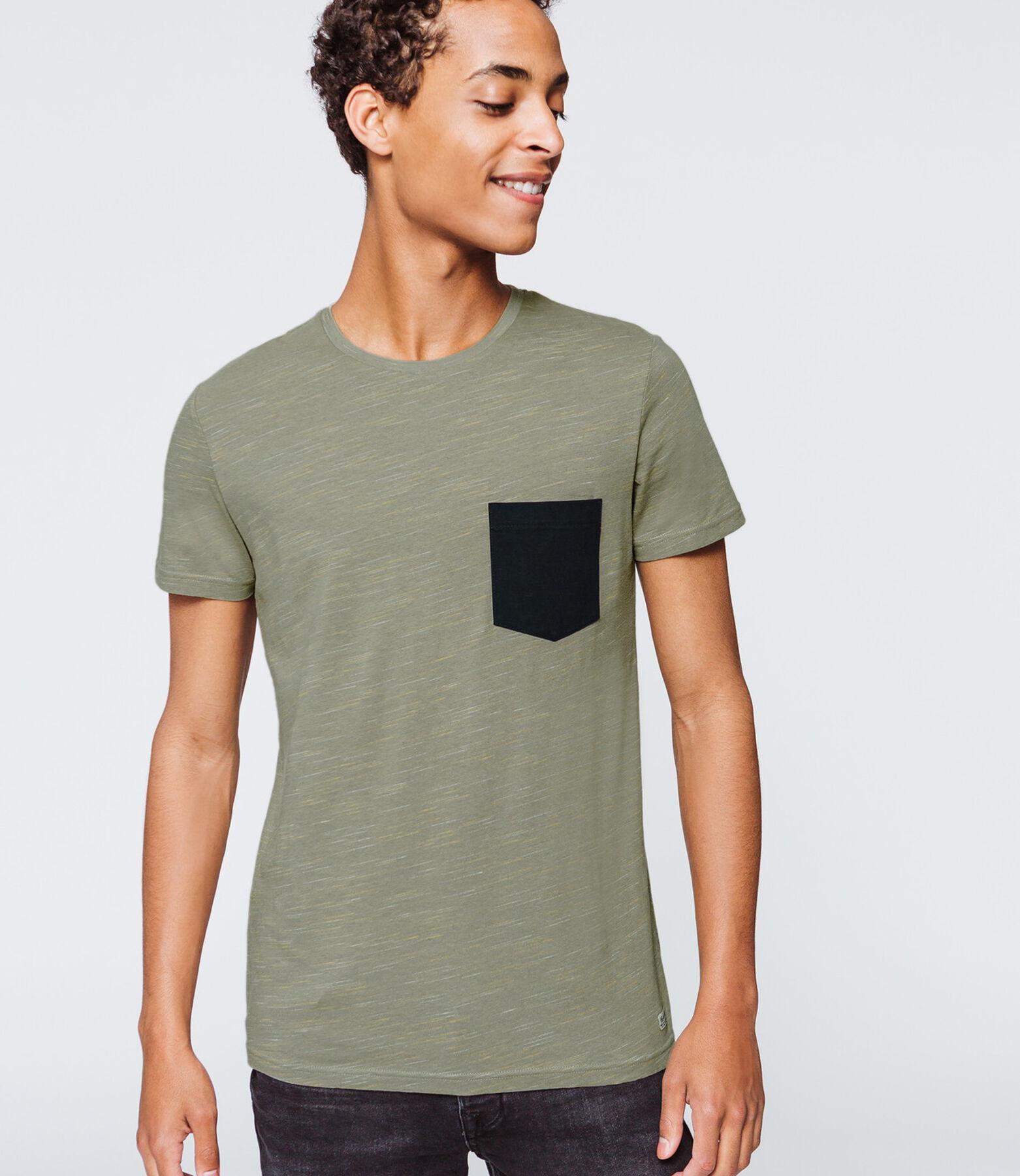 T-shirt injecté poche poitrine