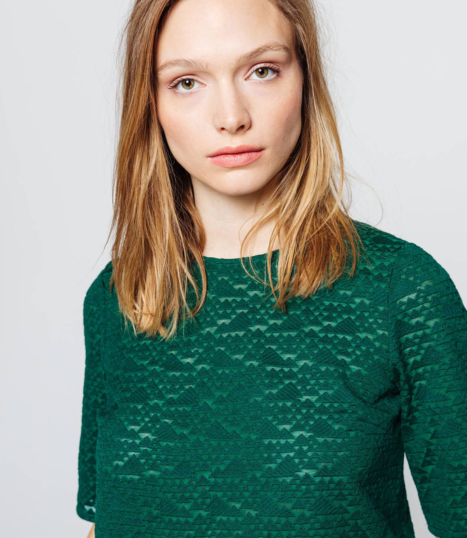 Top manches courtes broderie