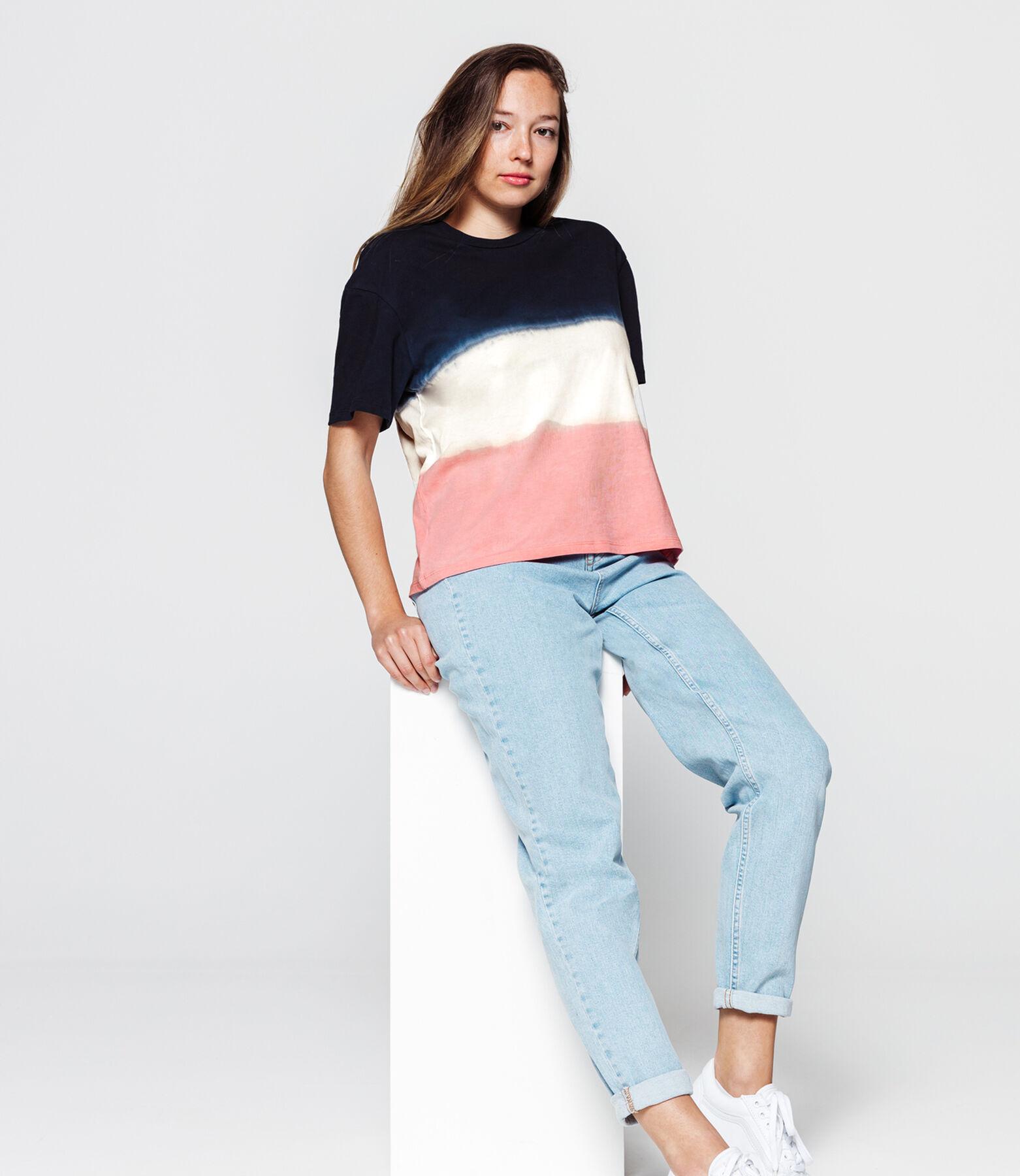 T-shirt dip dye