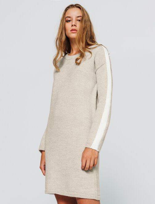 Robe pull bande côté femme