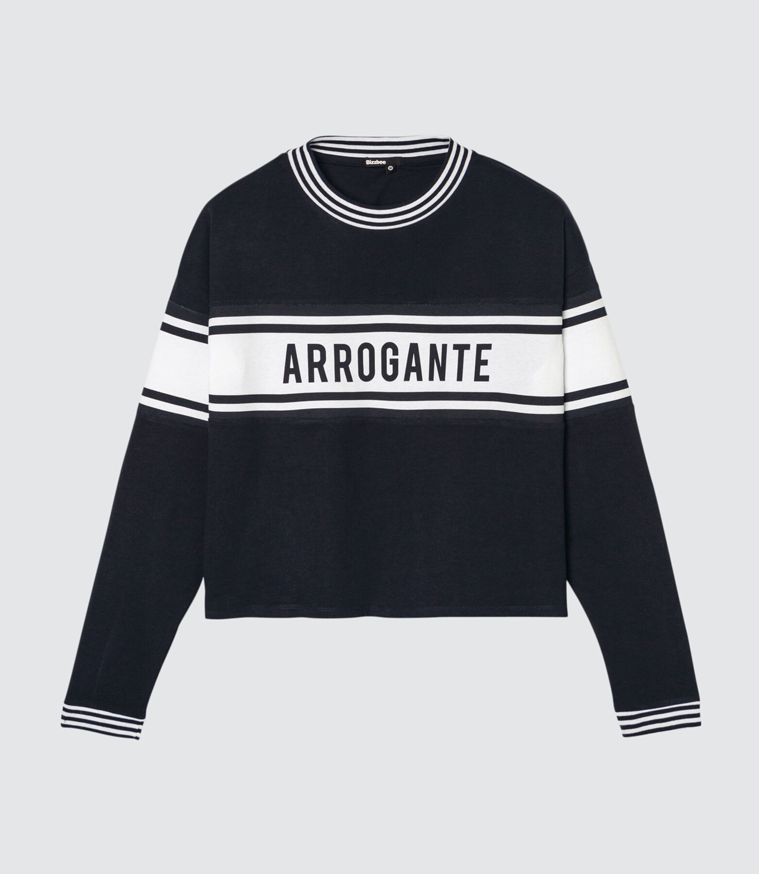 "T-shirt message "" Arrogante"""