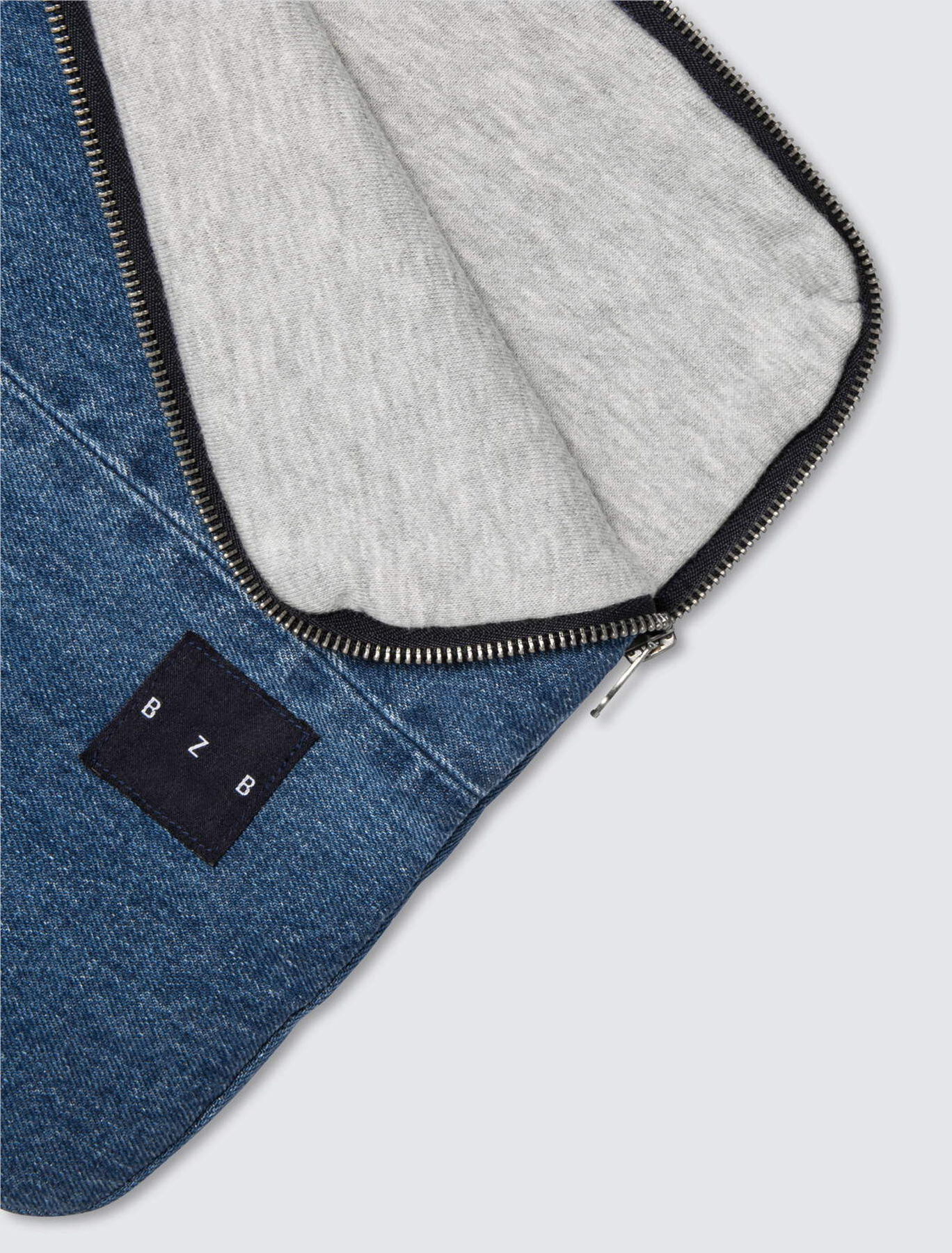 Pochette ordinateur en jean doublée en molleton
