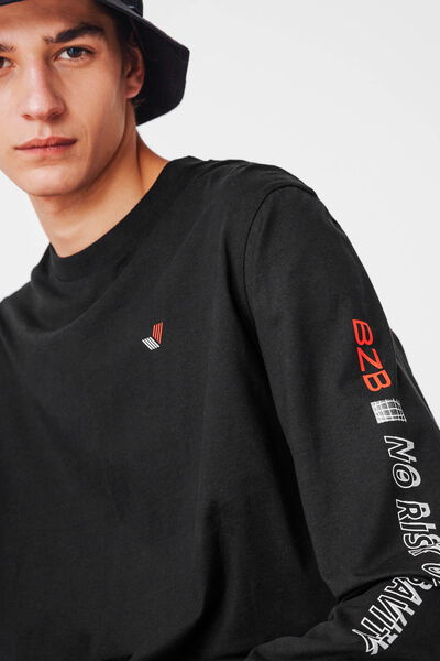 T-shirt graphique manches longues
