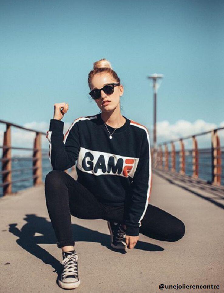 "Sweat sportif message ""GAME"""