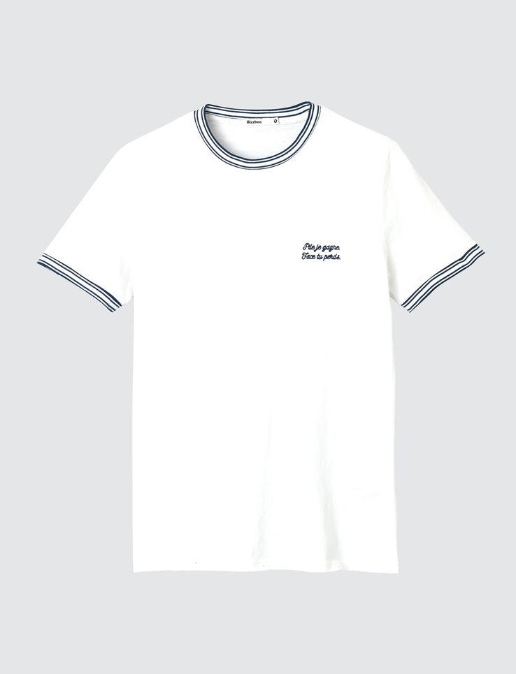 T-shirt broderie poitrine.