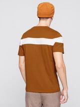 T-shirt bande placée à poche