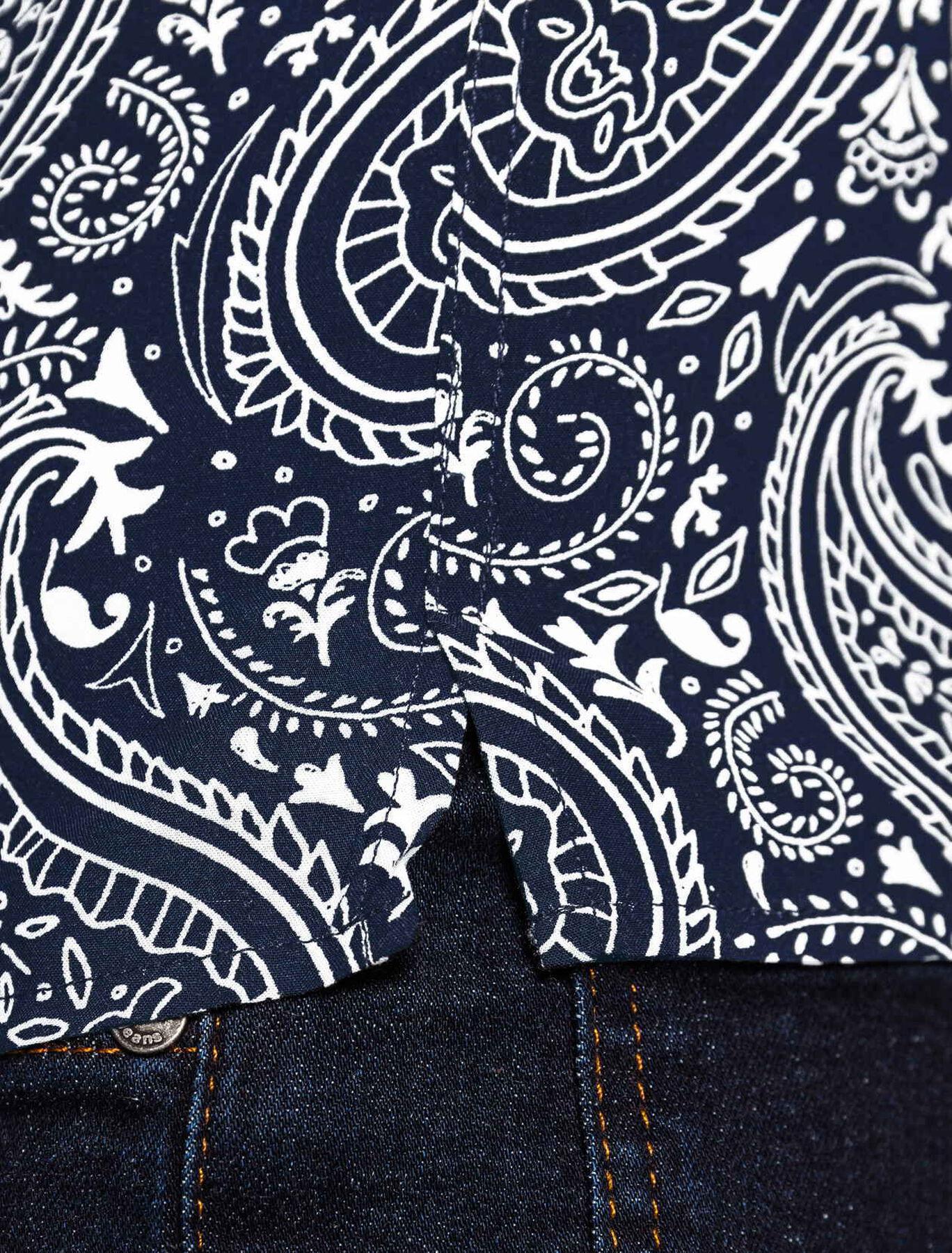 Chemise imprimée cashmere manches courtes
