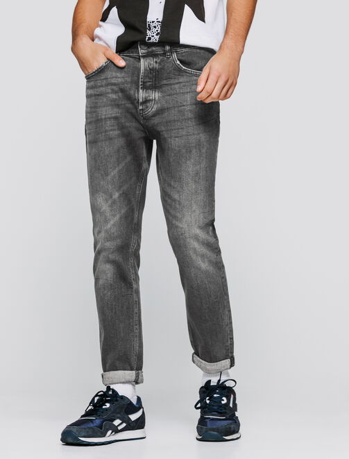 Jean slim noir coupe tapered cropped homme