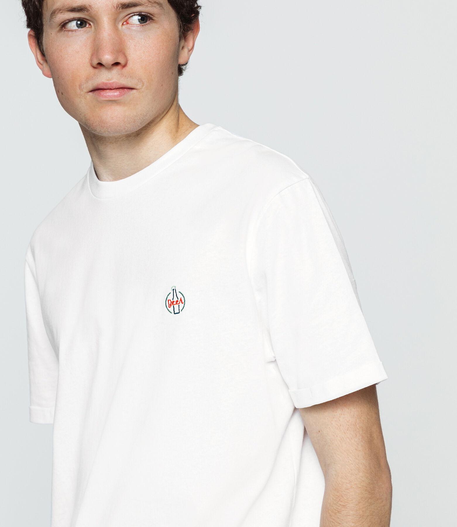 T-shirt brodé esprit vintage