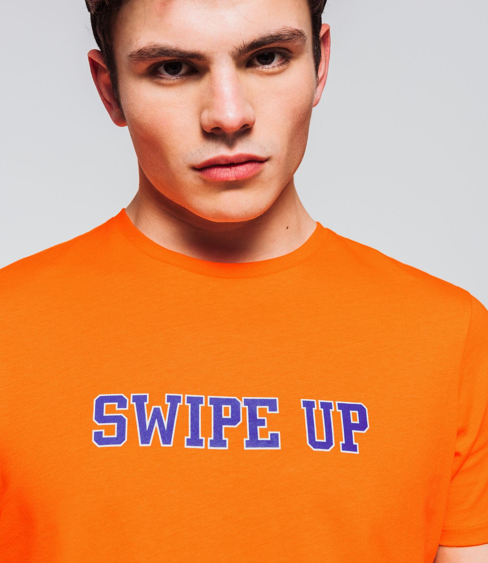"""T-shirt à message """" SWIPE UP"""""""