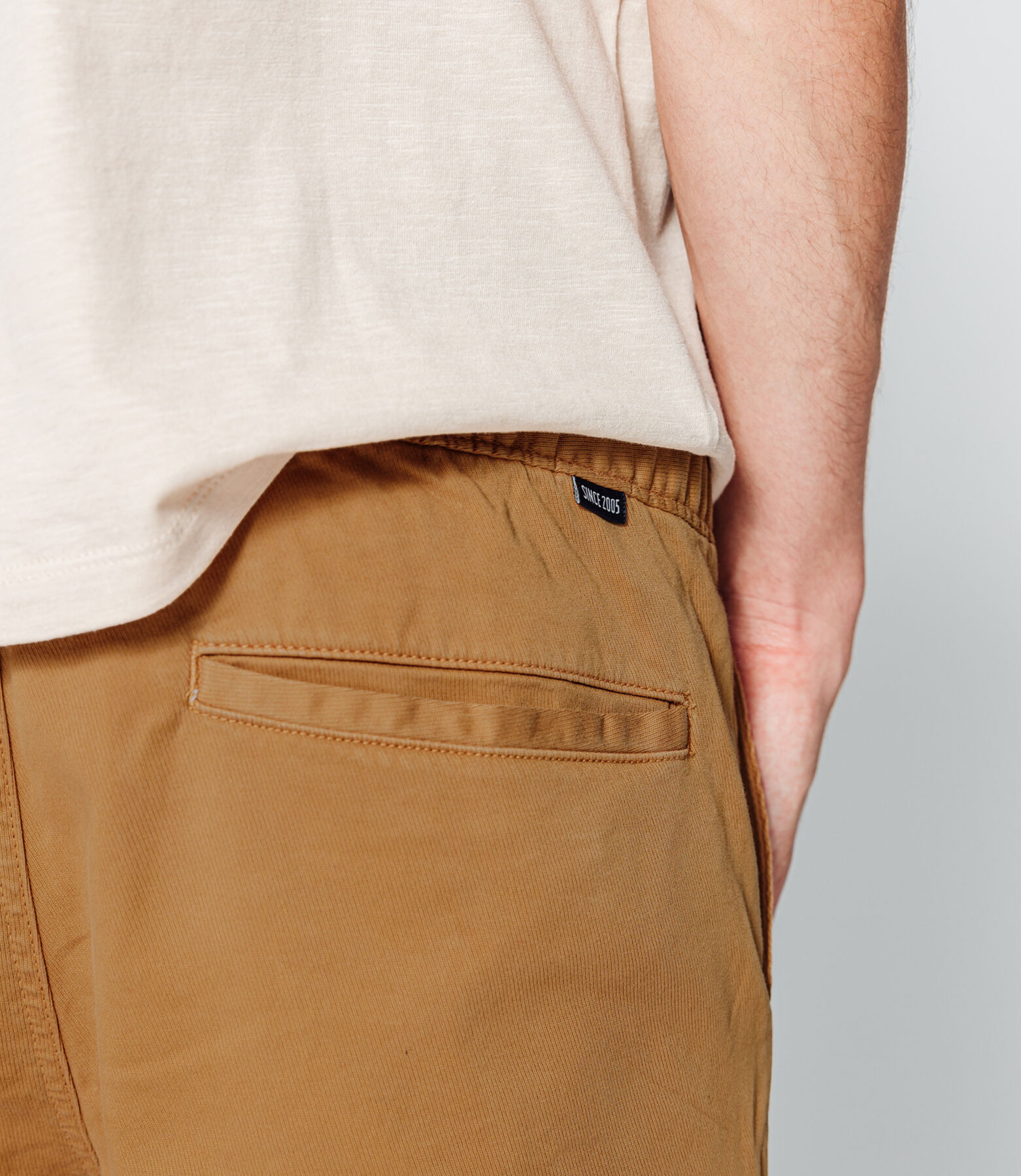 Pantalon chino type jogger