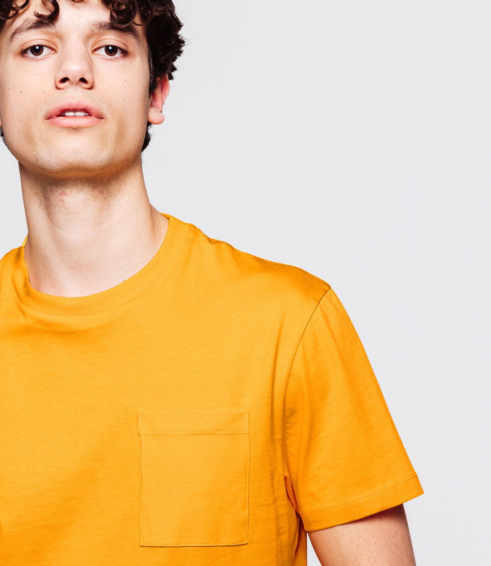 T-shirt uni avec poche