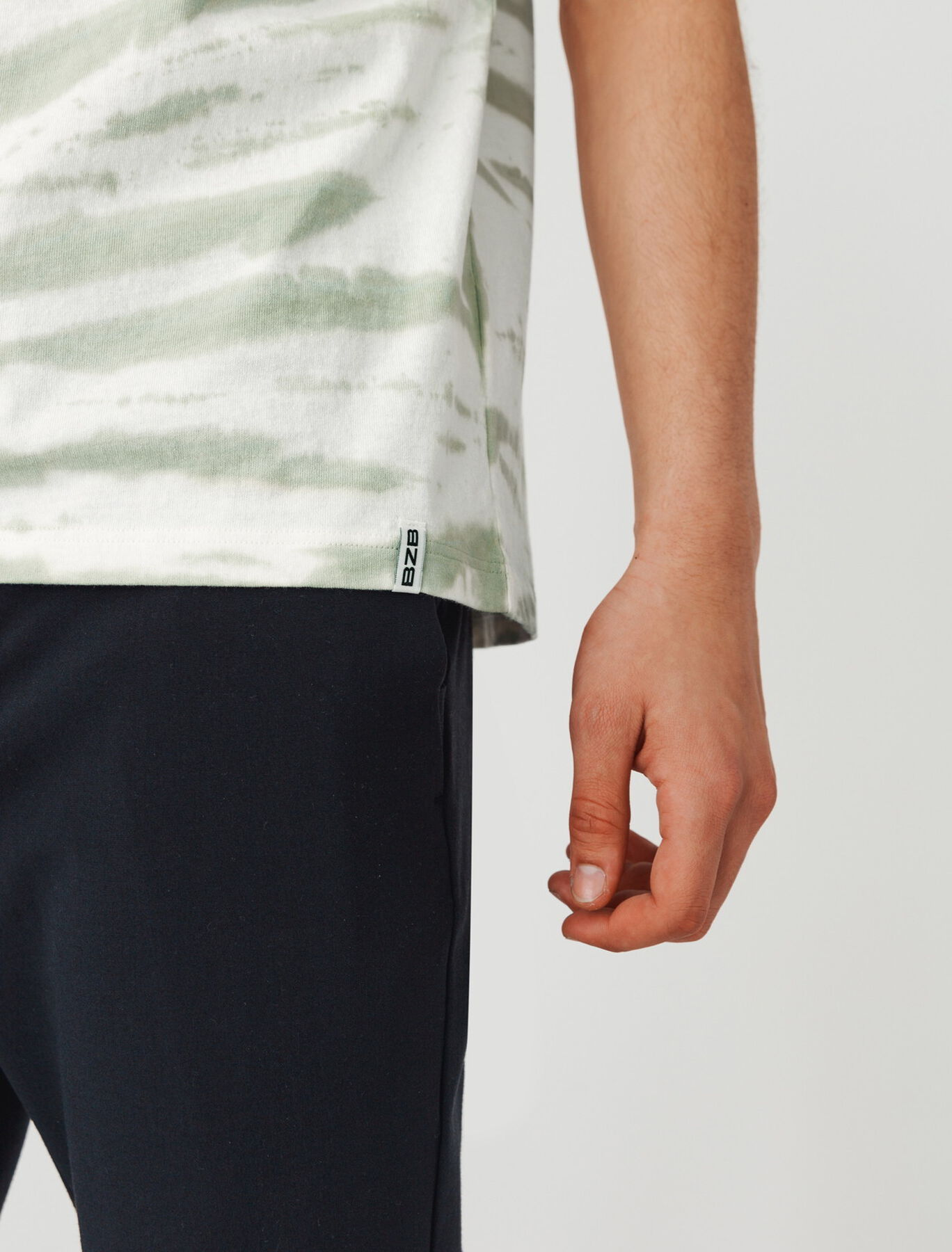 T-shirt tie & dye