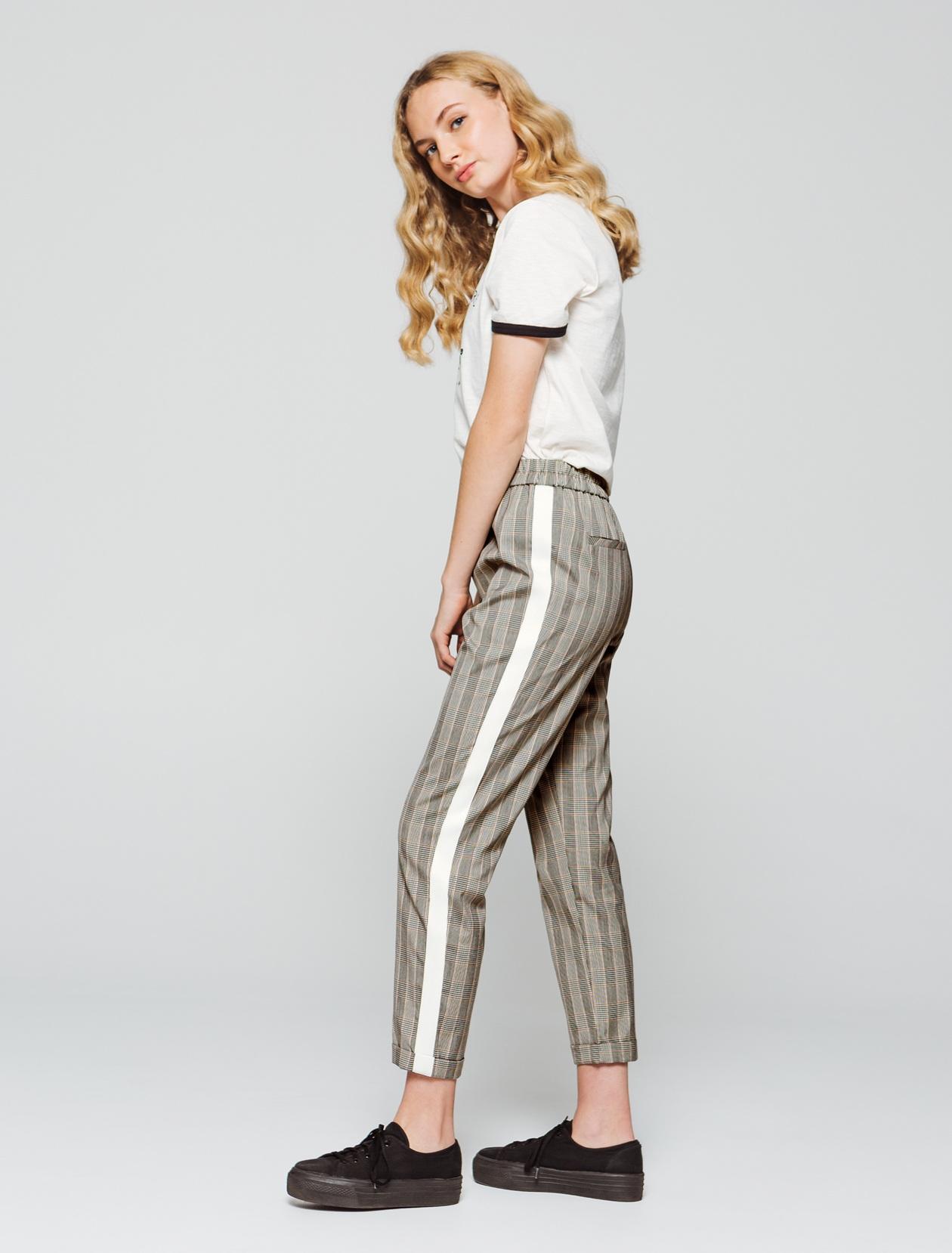 Pantalon fluide à carreaux femme
