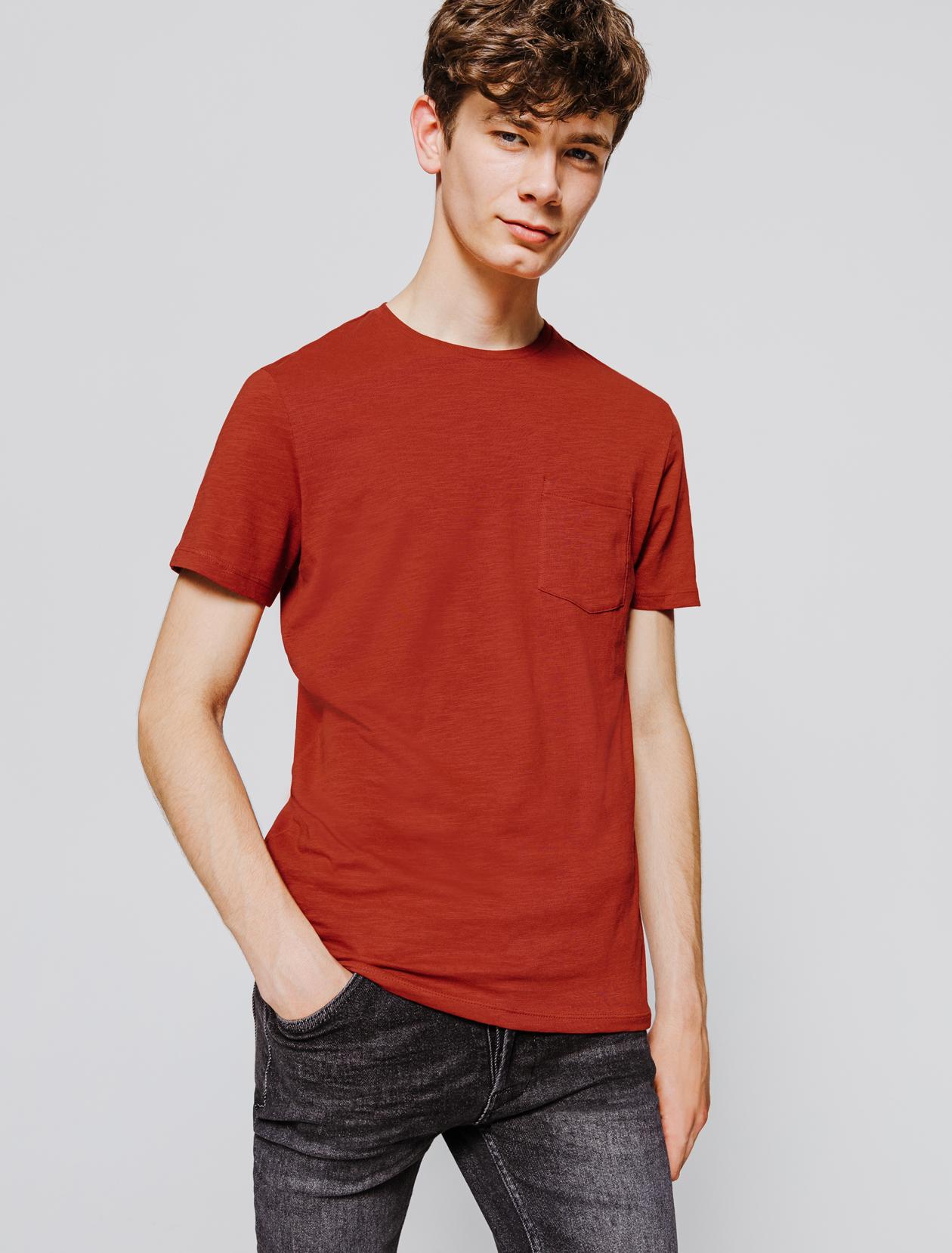 T-shirt uni poche poitrine homme