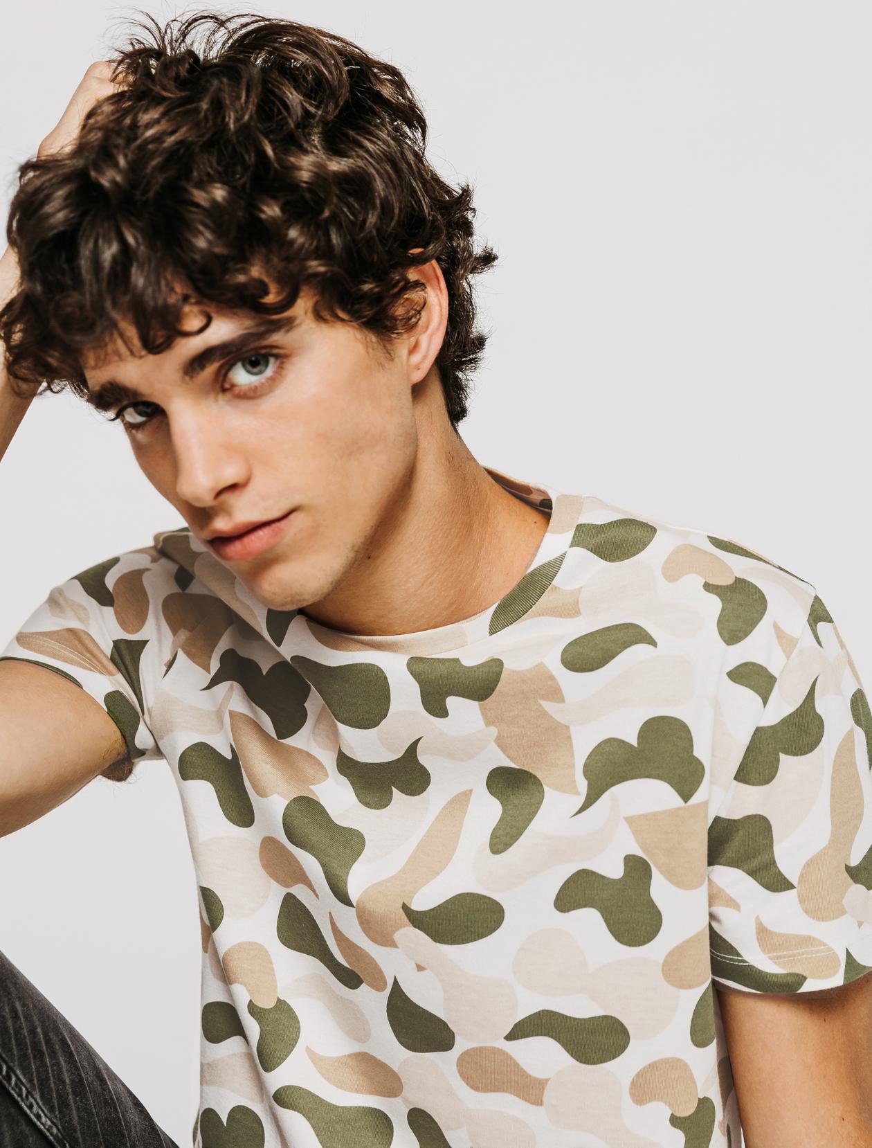 T-shirt imprimé camouflage homme